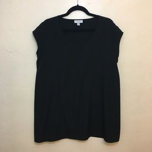 Liz Lange Tops - 💙 Black maternity tunic top